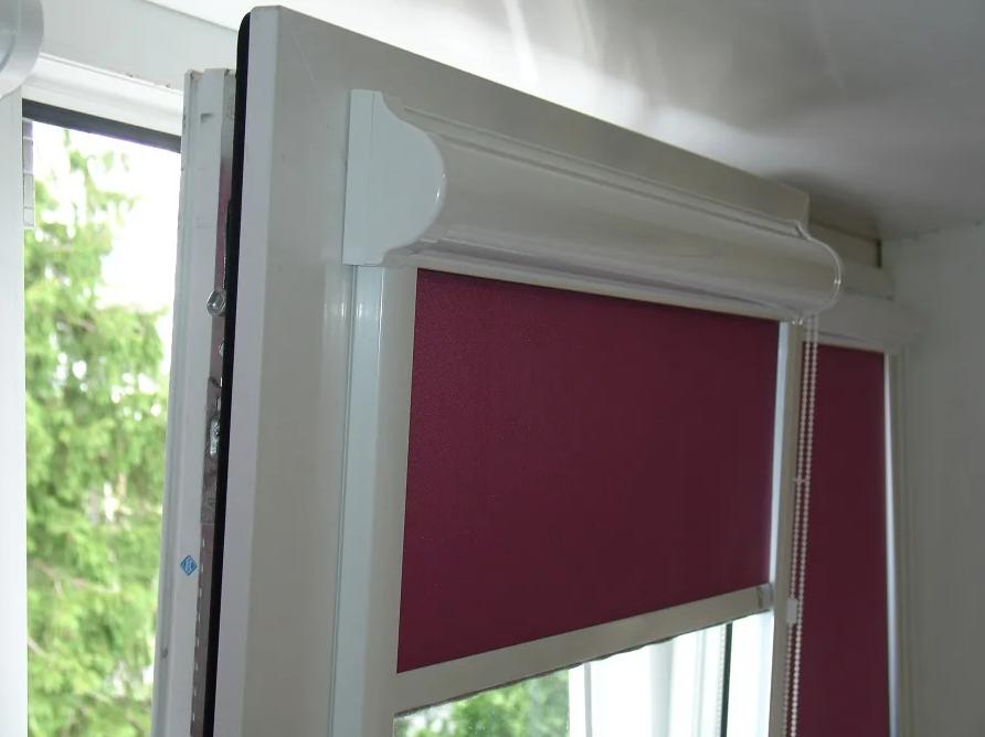 Рулонные кассетные шторы с направляющими